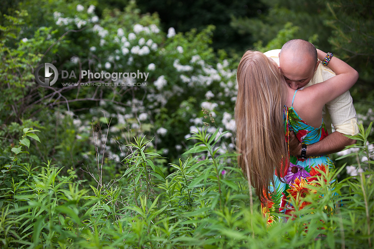 Tropical themed engagement Session - Wedding photographer