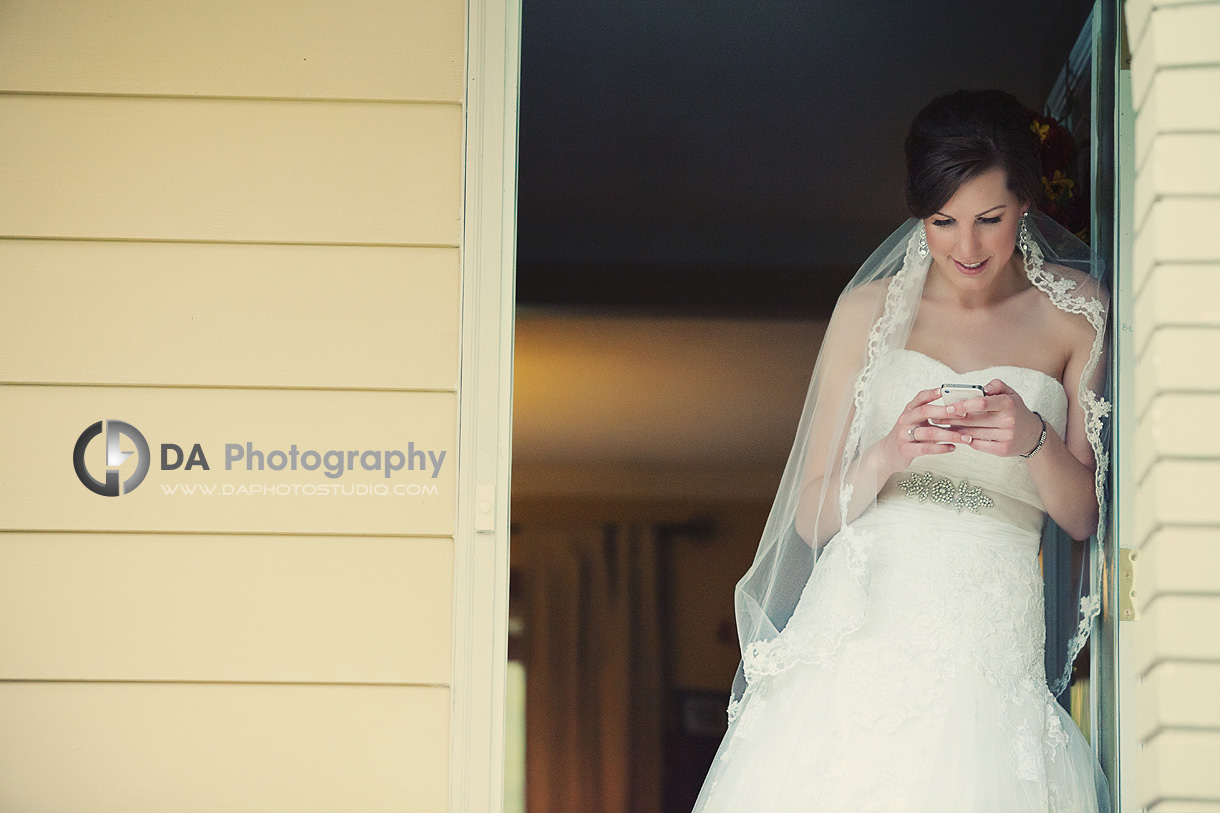 One Last Message before the Big Event - DA Photography - Wedding Photographer