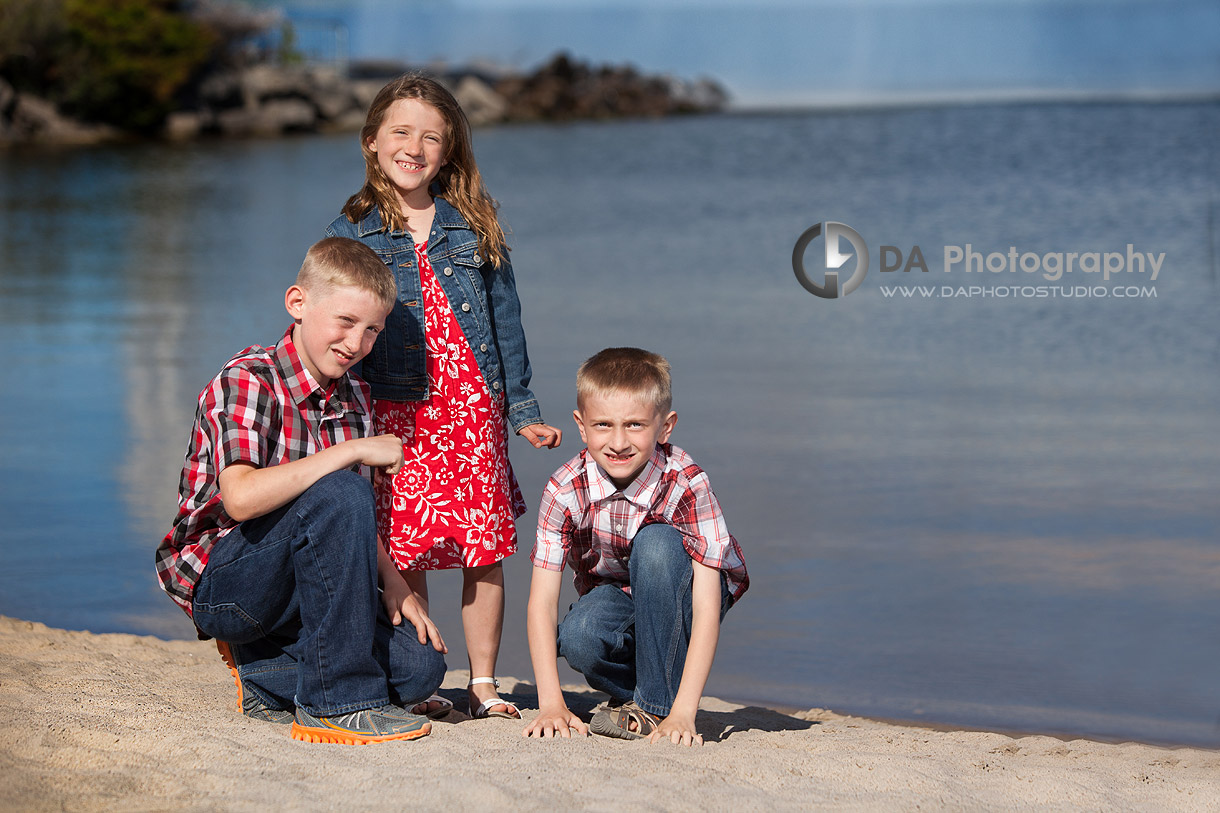 Happy Siblings During Blended Family Photo Shoot - Family Photography by Dragi Andovski - Barrie, ON