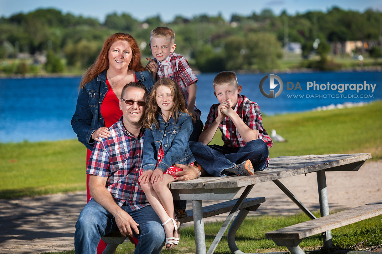 Family Portrait on the Waterfront in Barrie - Family Photography by Dragi Andovski - Barrie, ON