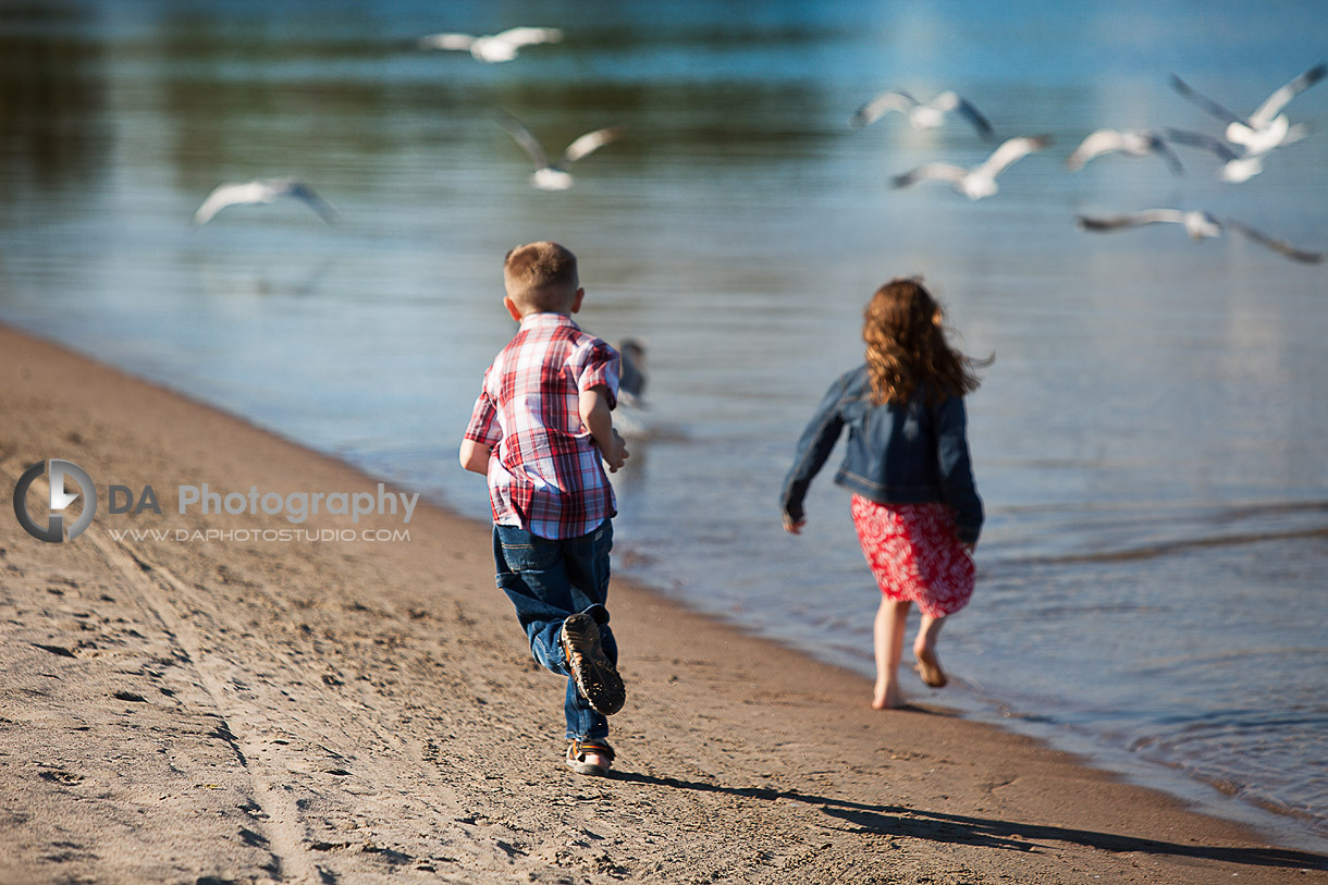 Children's Waterfront Photo Shoot - Chasing the Birds - Family Photography by Dragi Andovski - Barrie, ON