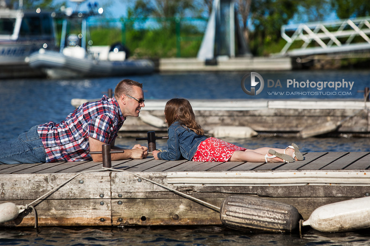 A Chat on the Docks at the Marina in Barrie - Family Photography by Dragi Andovski - Barrie, ON