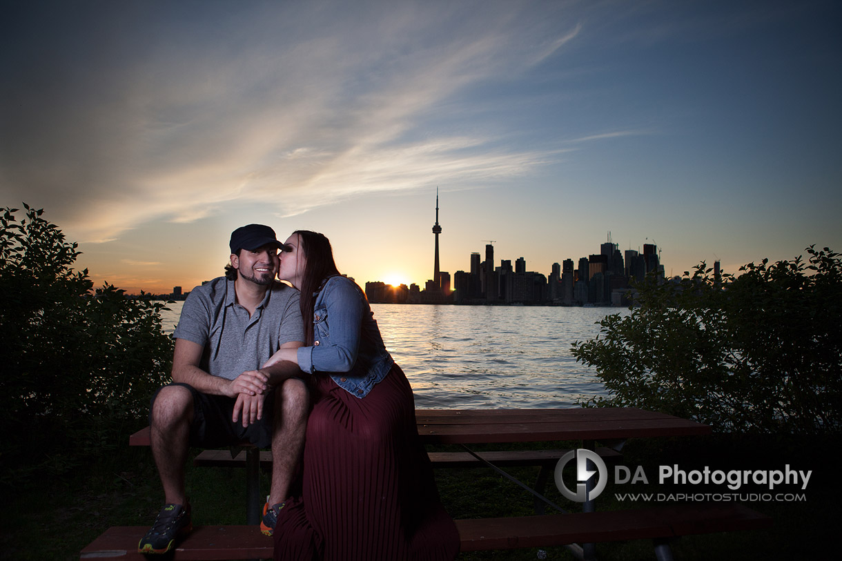 Love under the open sky - Toronto Island by DA Photography