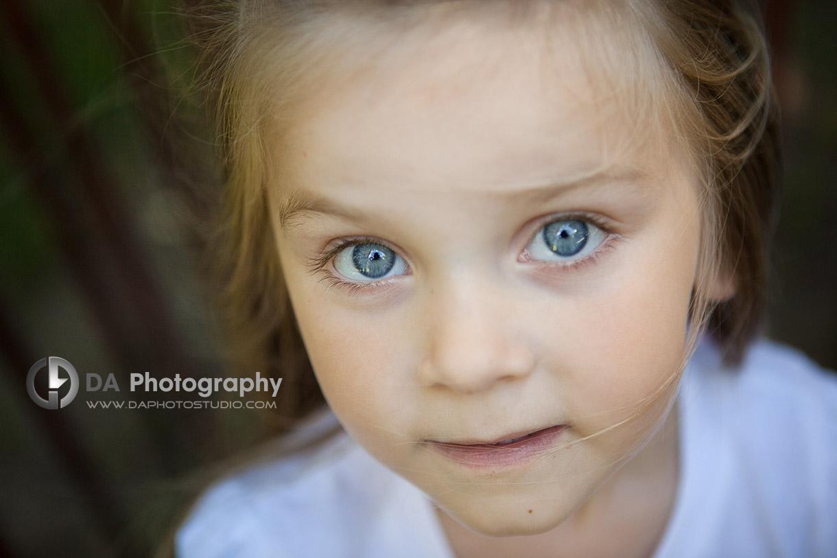 The Little girl - at Gairloch Gardens, Oakville by DA Photography , www.daphotostudio.com
