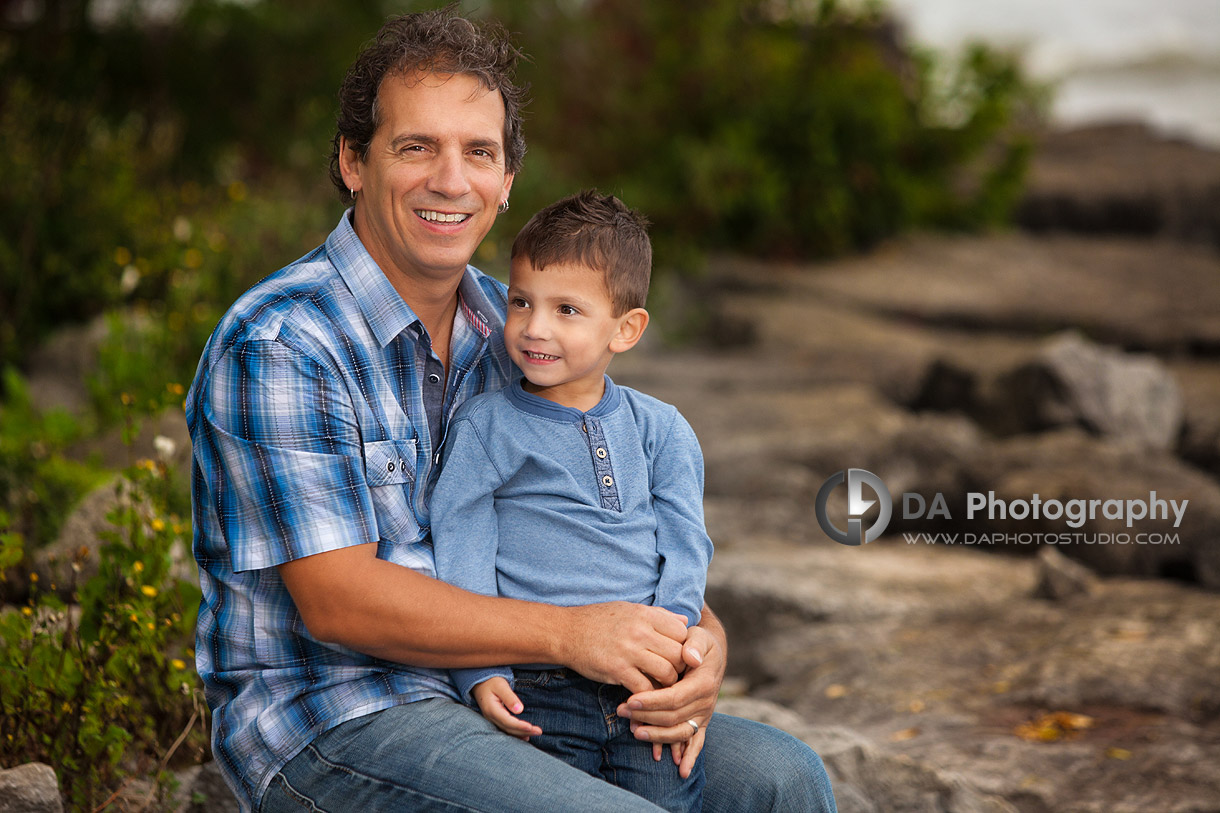 Daddy with his son portrait - Fall Family Photos by DA Photography - Gairloch Gardens, Oakville - www.daphotostudio.com