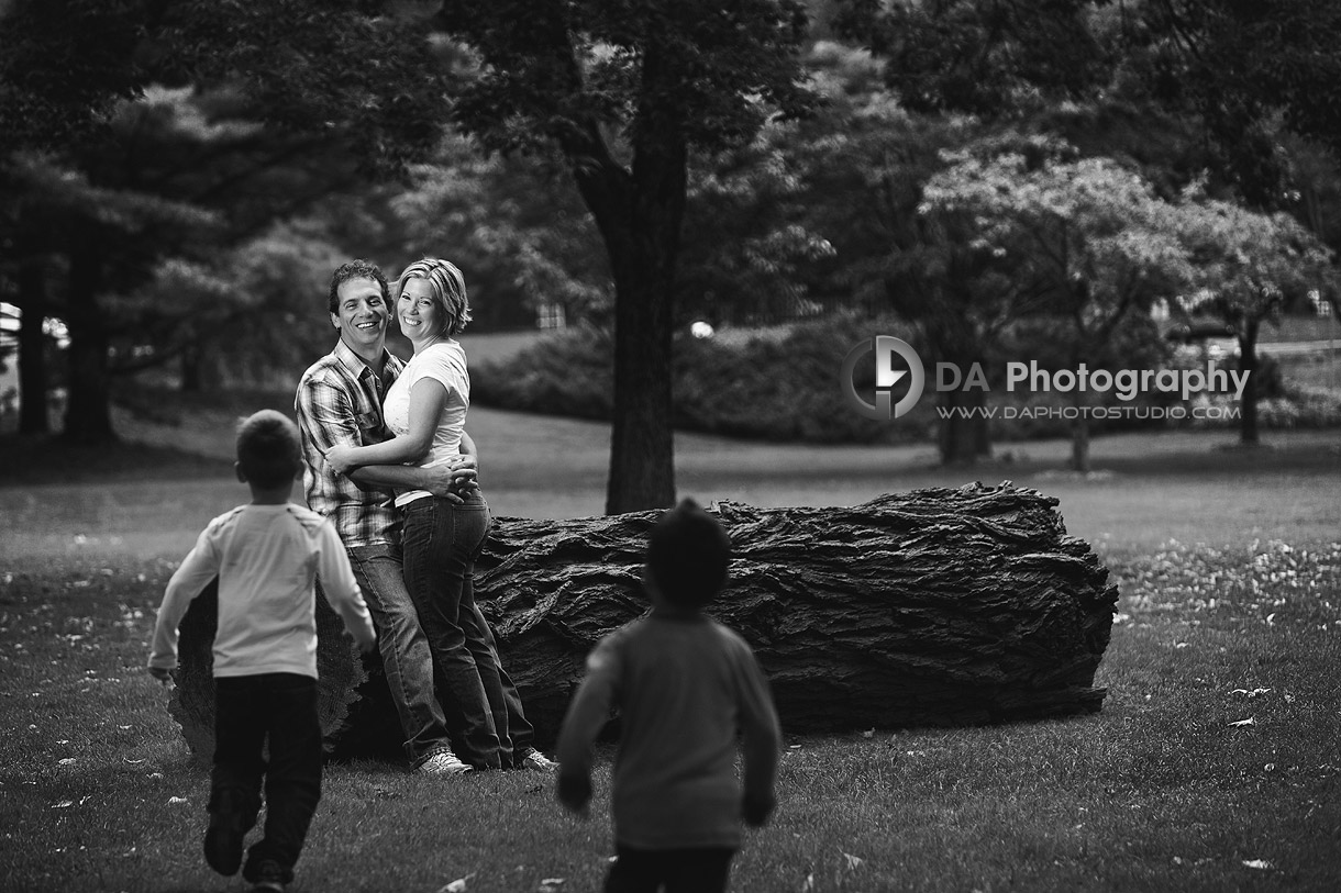 A Family - Fall Family Photos by DA Photography - Gairloch Gardens, Oakville - www.daphotostudio.com