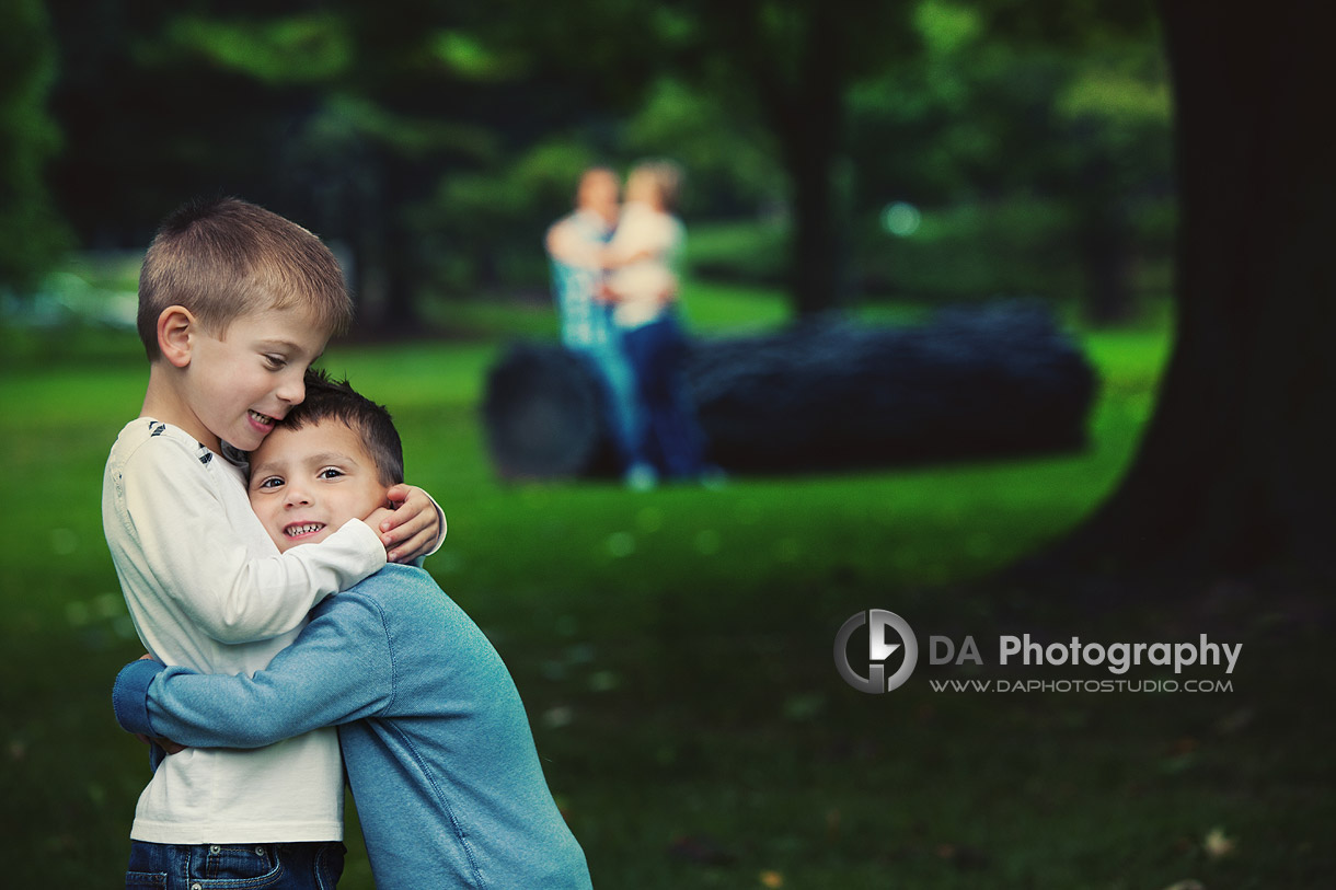 Me and my brother - Fall Family Photos by DA Photography - Gairloch Gardens, Oakville - www.daphotostudio.com